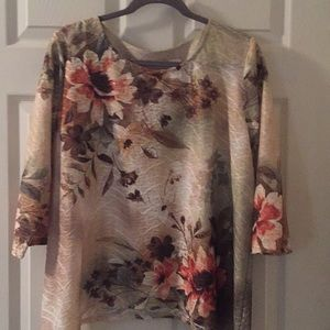 Alfred Dunner PL beautiful over the head blouse